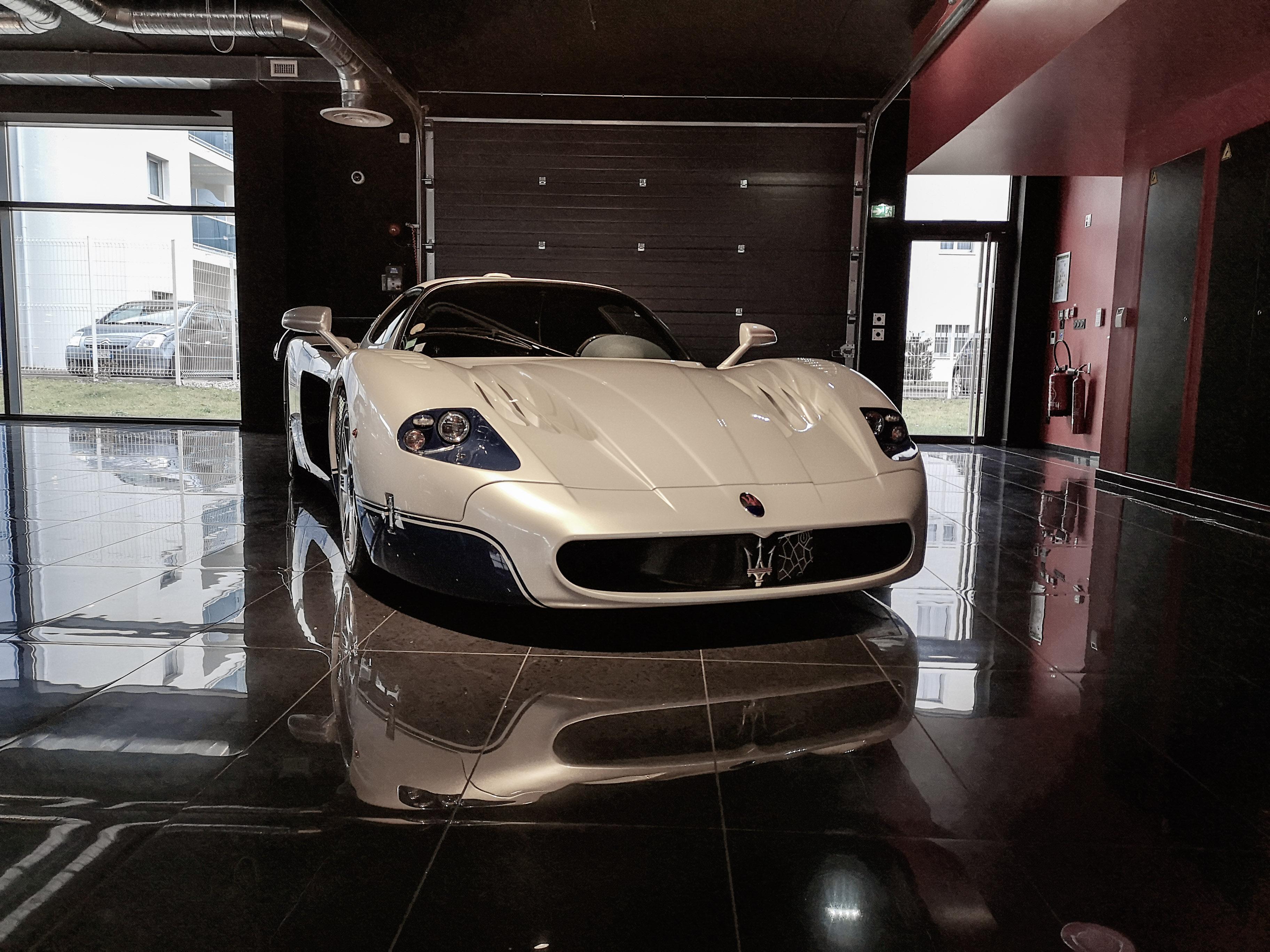 Maserati MC12 - Page 2 19011807584023525