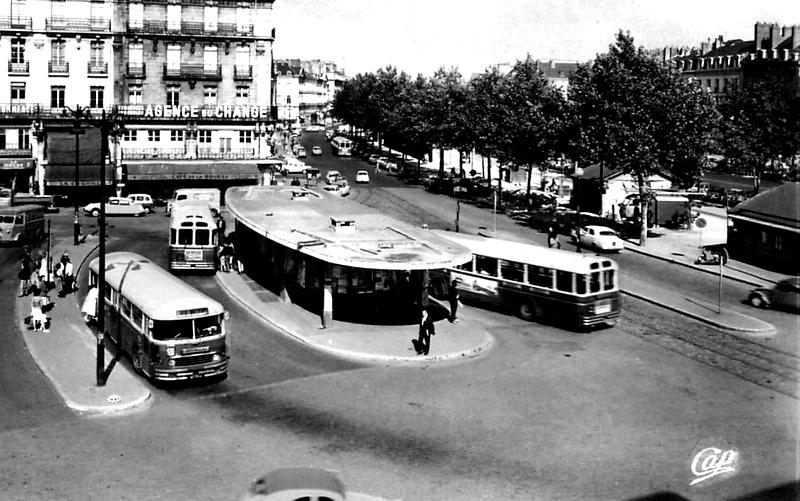 861_001_nantes-place-du-commerce-scan-recto-et-verso-001
