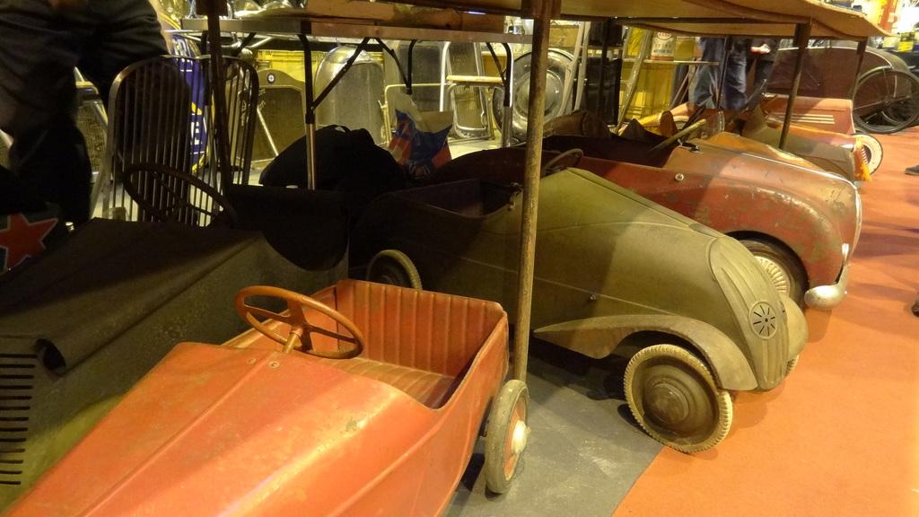 Rétromobile et vieilles bagnoles - Page 2 190129071357959520