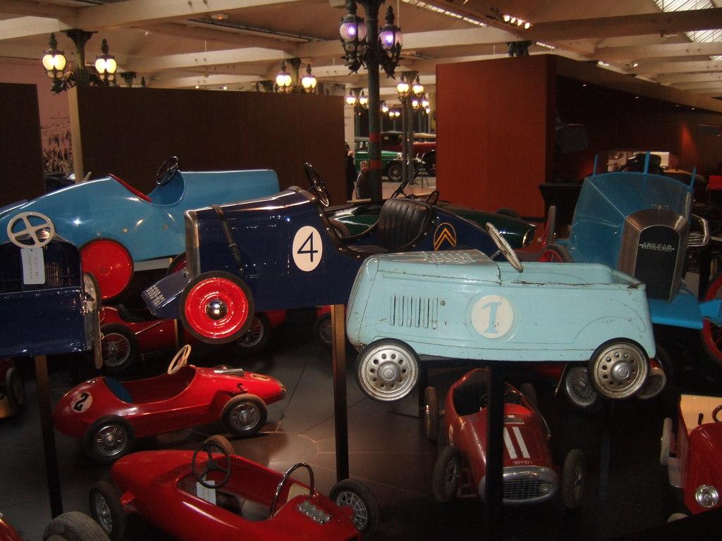 Rétromobile et vieilles bagnoles - Page 2 19012907174155931