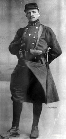 Au sujet du pantalon de l'uniforme du capitaine Brocard, de la N3 . 190219073102878706