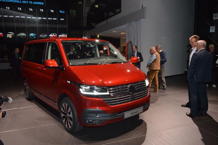 S1-geneve-2019-restyle-le-volkswagen-multivan-entre-dans-l-ere-numerique-582224