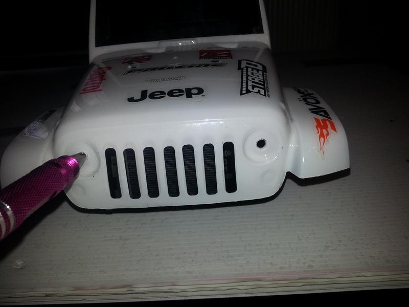 créer des phares ou des feux arrière quand la carro lexan n'en a pas ...  190224081106239256