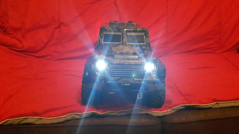créer des phares ou des feux arrière quand la carro lexan n'en a pas ...  190224083611515182