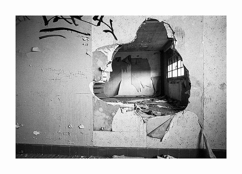 scan Urbex trou mur