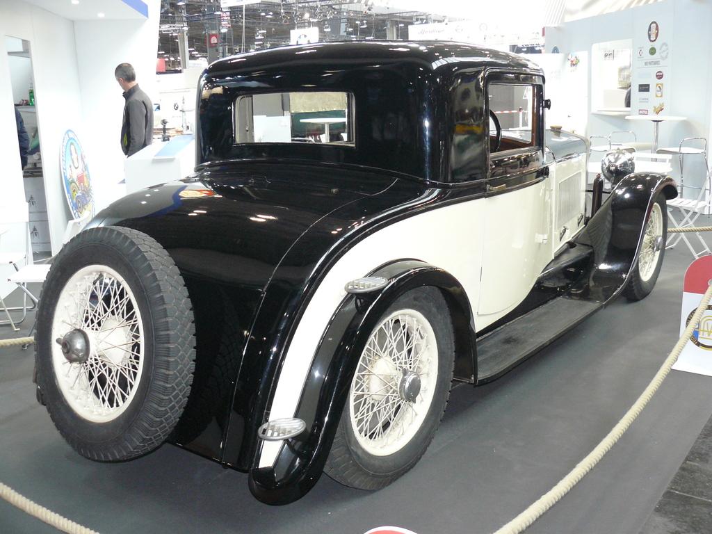 P1930608