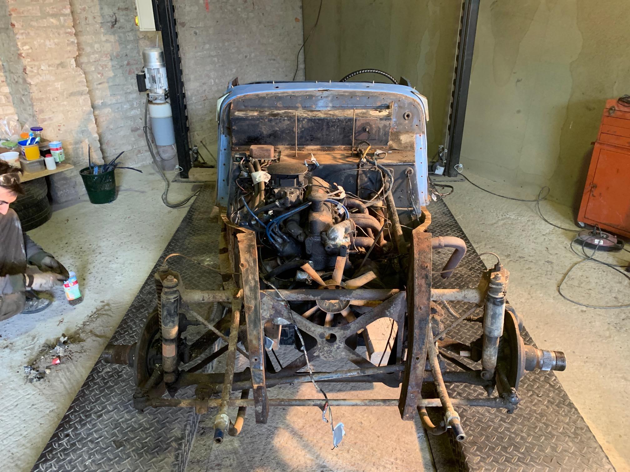 Nouveau projet auto : Morgan 4/4 190323093106852219