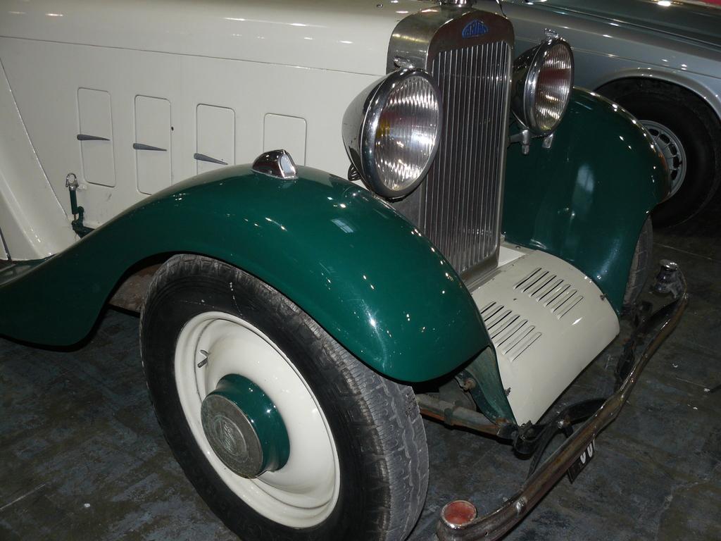 P1930778