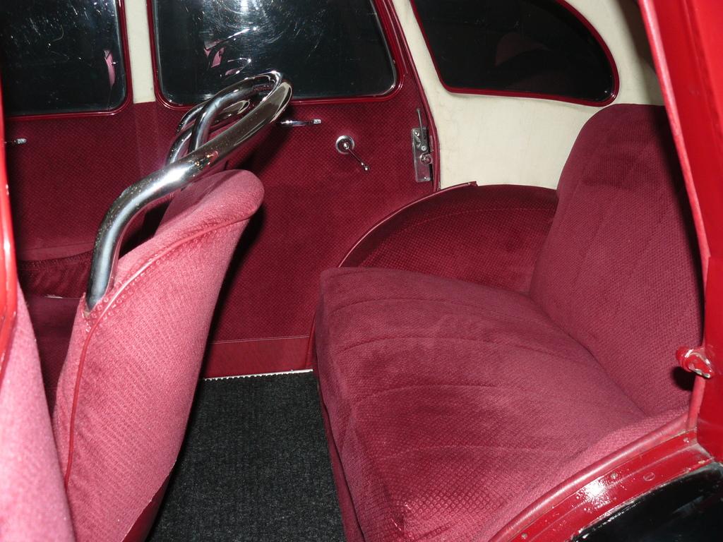 P1930837