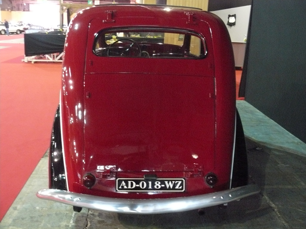 P1930841