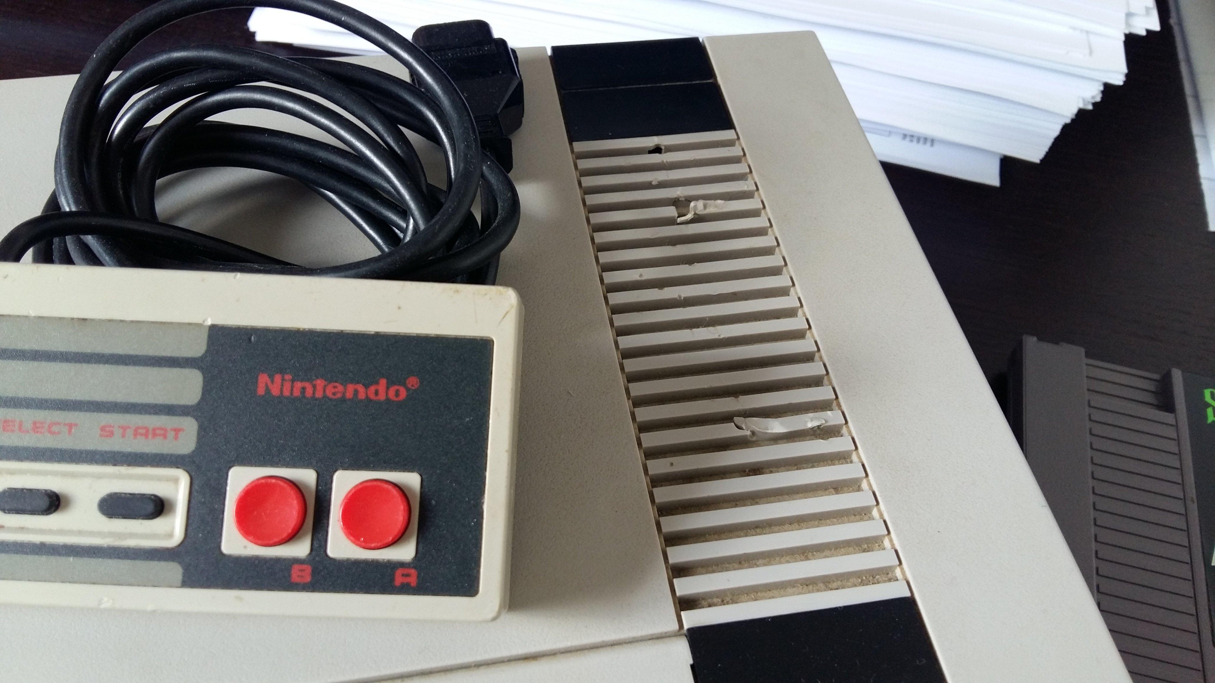 [VDS] NES avec 4 jeux loose 190410085036100559