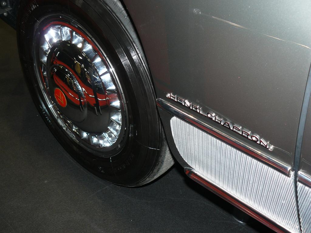 P1930980