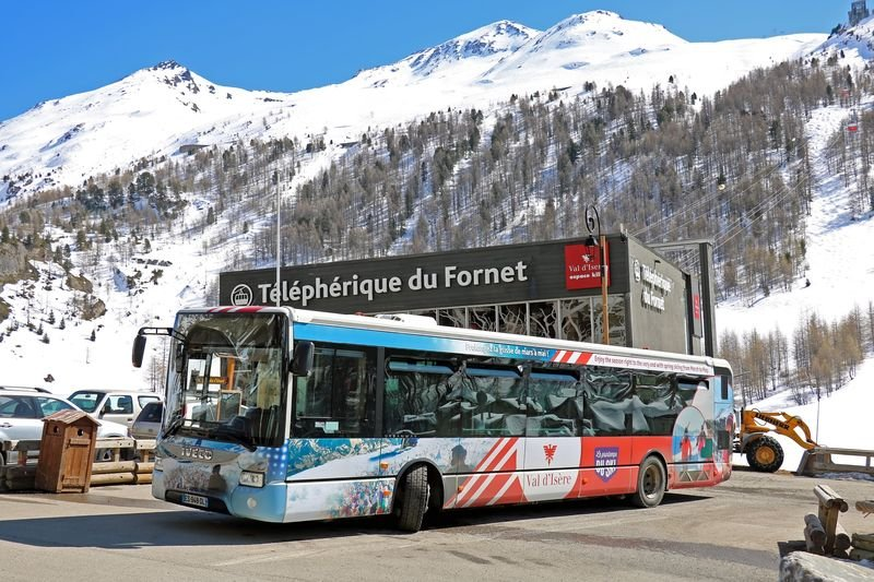 B IVECO URBANWAY-12 [ES-948-DL] VAL D'ISERE LE FORNET (2)