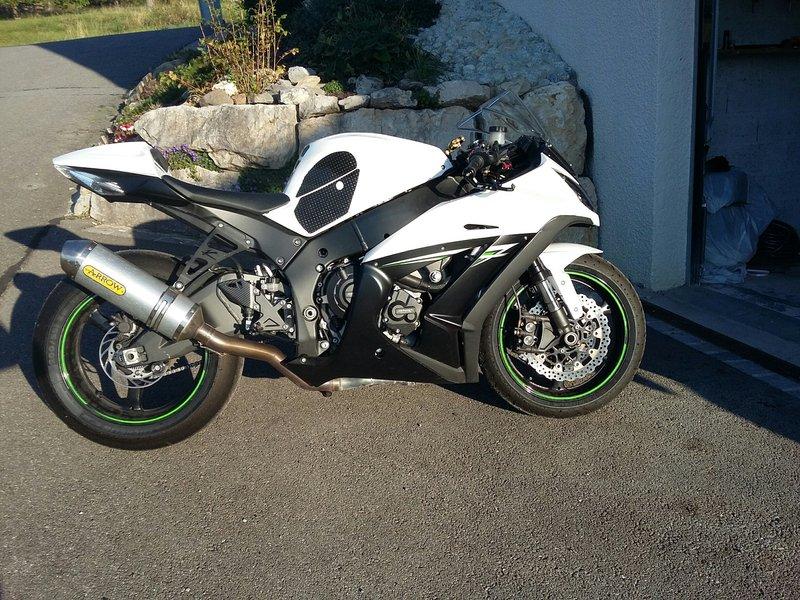 Kawasaki 1000 ZX-10R 2014 avec CG - 10500 KM - 7 400 € 190506094355821852