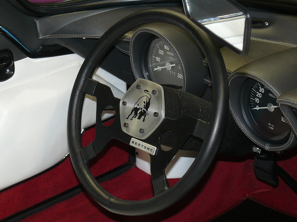 P1940587