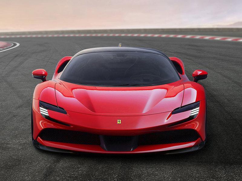 Ferrari SF90 Stradale (780 ch + 220 ch)