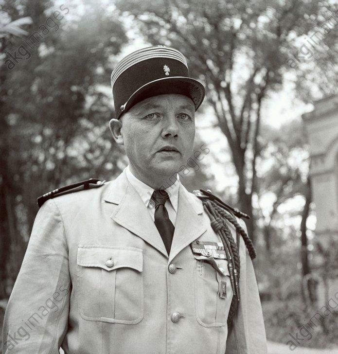 - Et cet officier,pouvez-vous me donner nonnom ?? 190614012052182612