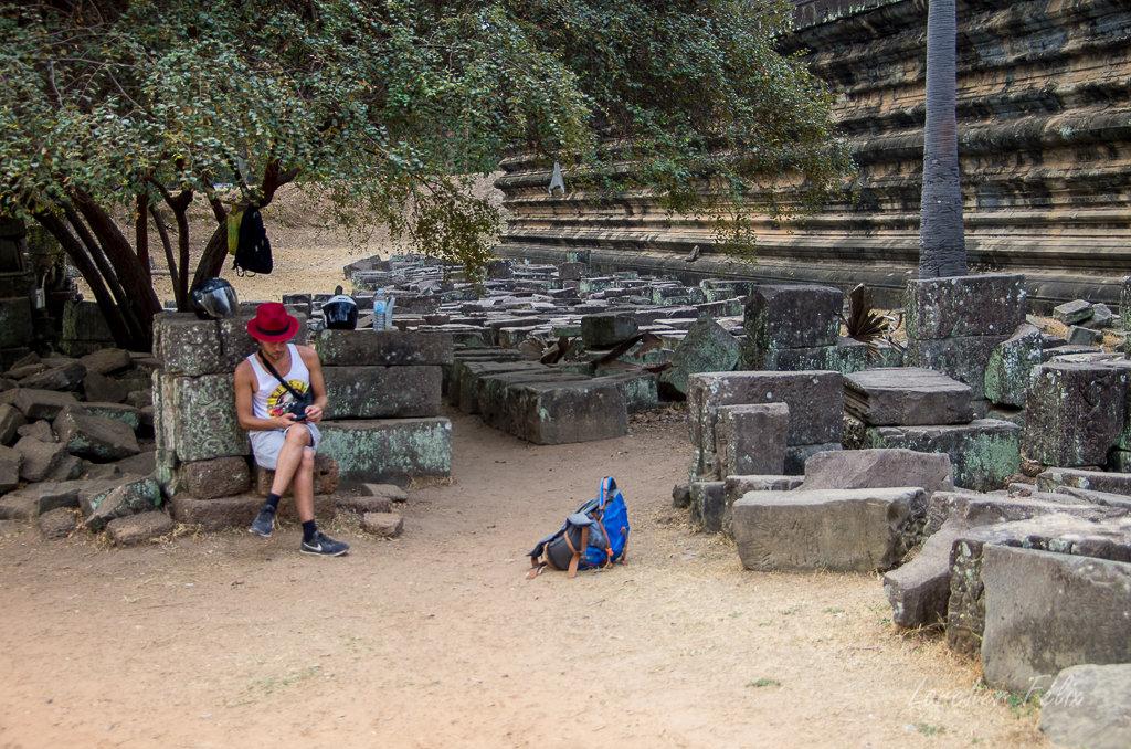 Fil orange dans les temples d'Angkor 190615073113261085