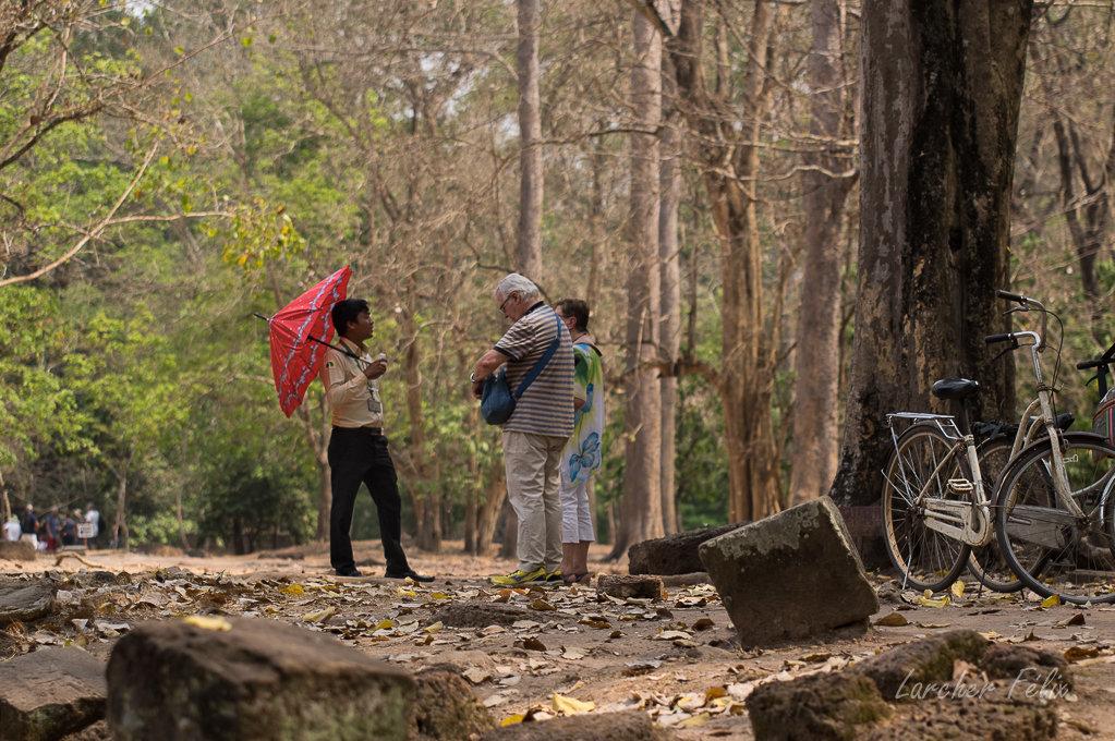 Fil orange dans les temples d'Angkor 190615073114168761
