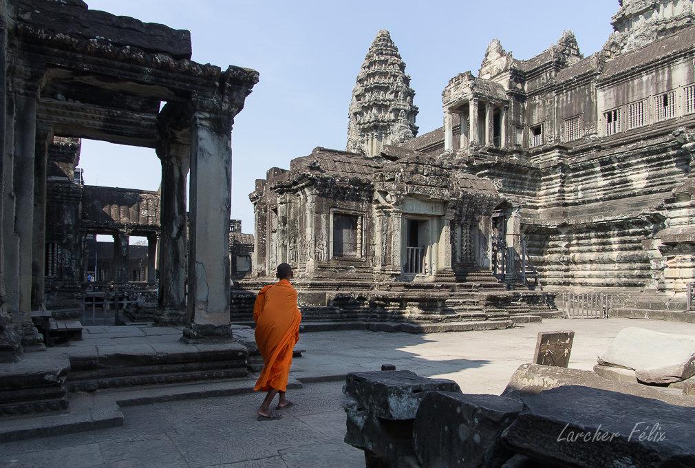 Fil orange dans les temples d'Angkor 190615073140859405
