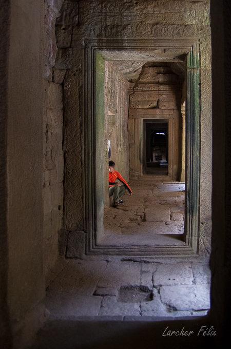 Fil orange dans les temples d'Angkor 190615073146243831