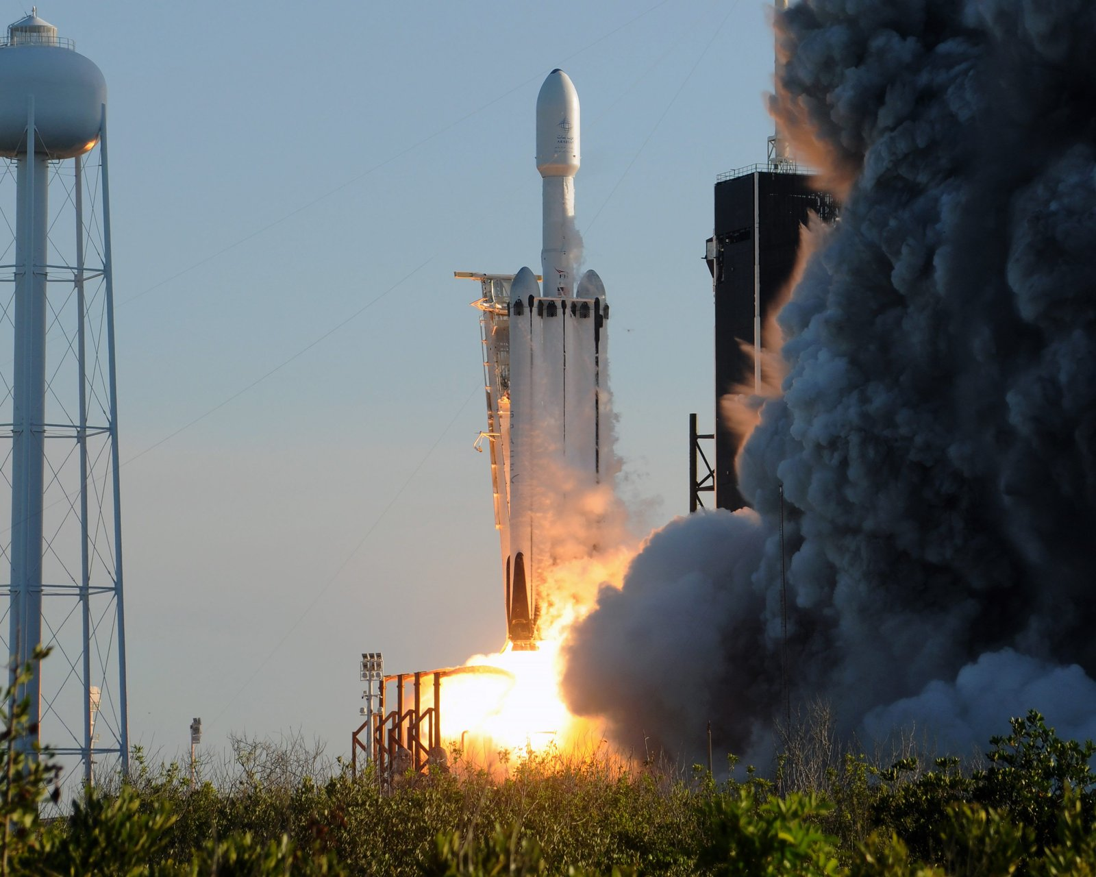 spacex falcon heavy launch today - HD1600×1280