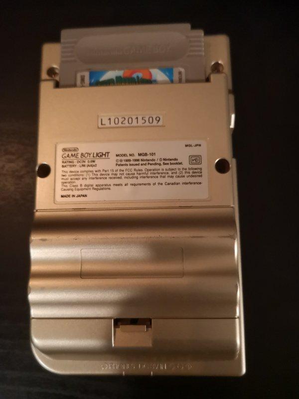 vend Gameboy light en boite  19062604012545940