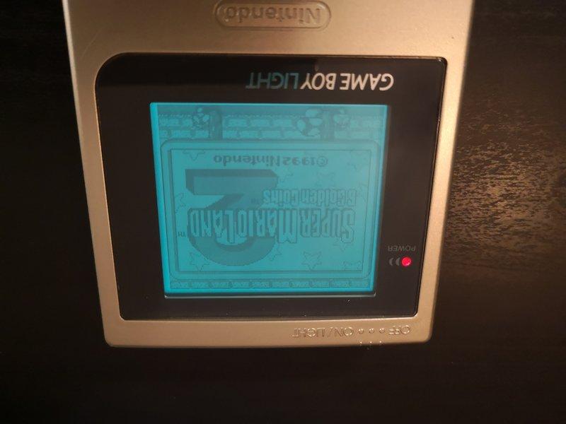 vend Gameboy light en boite  190626040129536947