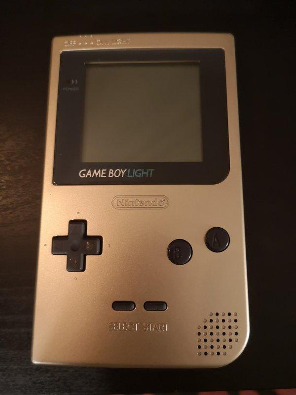 vend Gameboy light en boite  190626040129939374