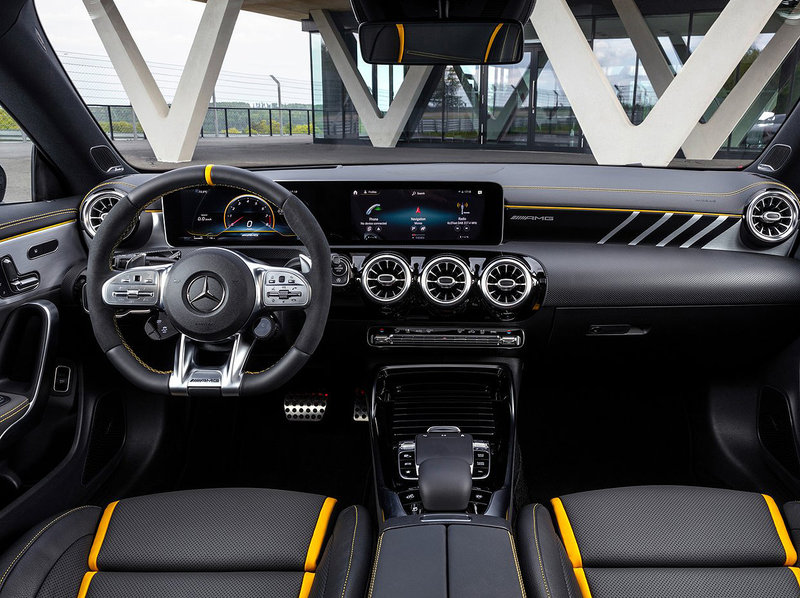 Mercedes-Benz CLA 45 S AMG Interior