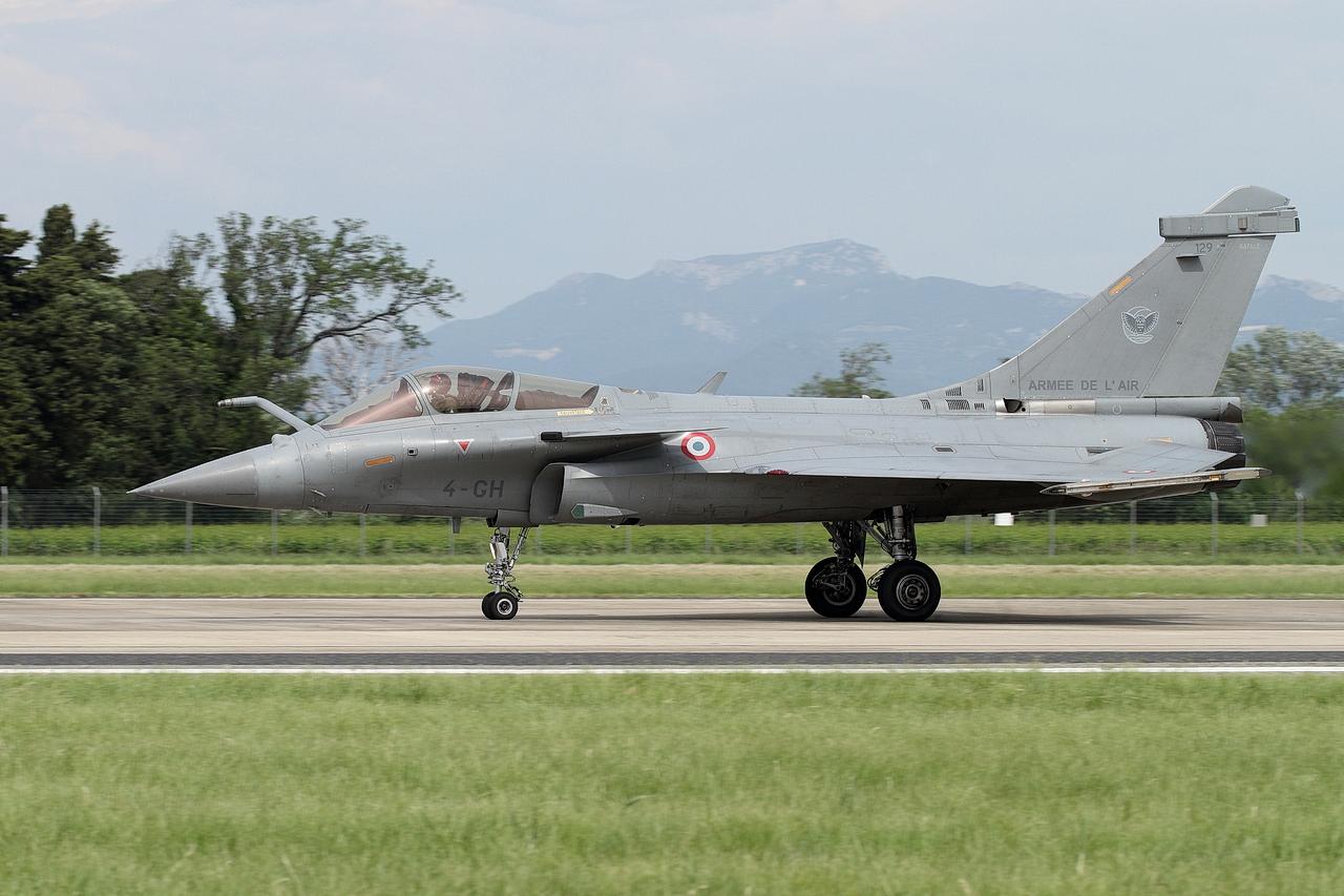Meeting de l'air base aérienne 115 Orange - Page 10 190718083642609667