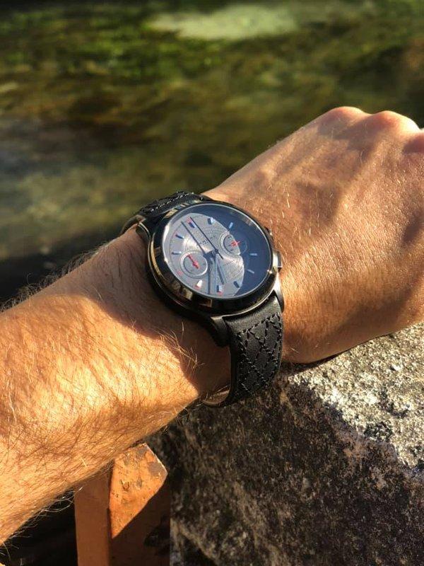 Akrone : des montres, tout simplement - Page 14 190808104558131418