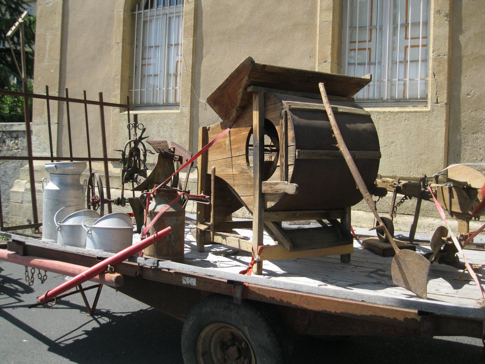 véhicules et matériel ancien  190818073014833628
