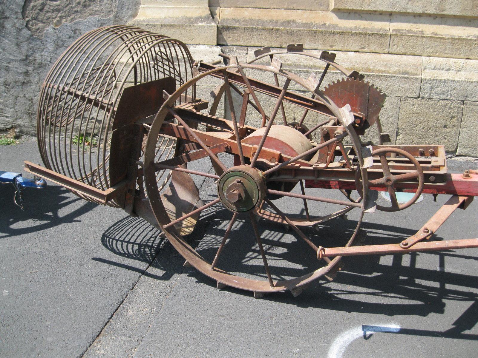 véhicules et matériel ancien  190818073121954467