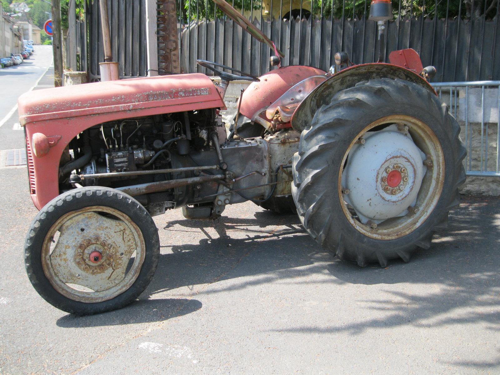 véhicules et matériel ancien  190818073458477532