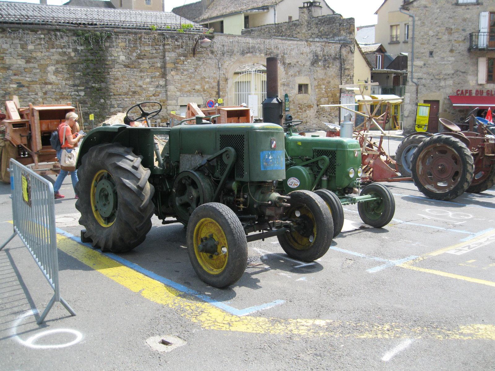 véhicules et matériel ancien  190818073612199658