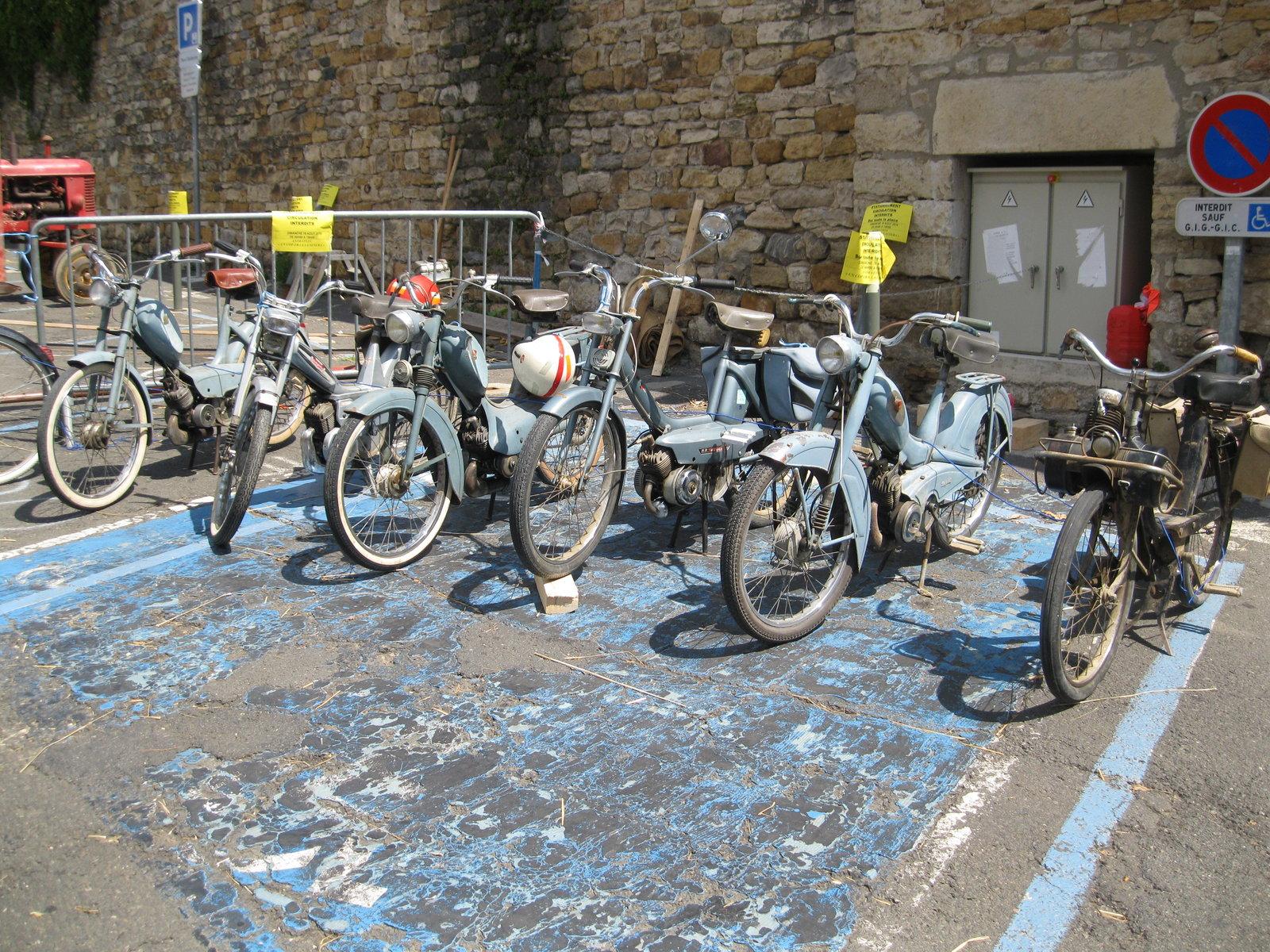 véhicules et matériel ancien  190818074000310976