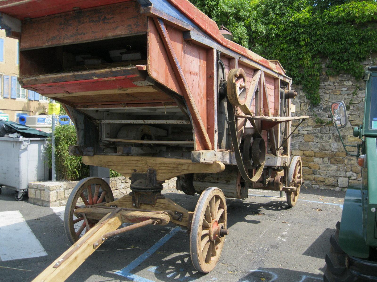 véhicules et matériel ancien  190818074430277238