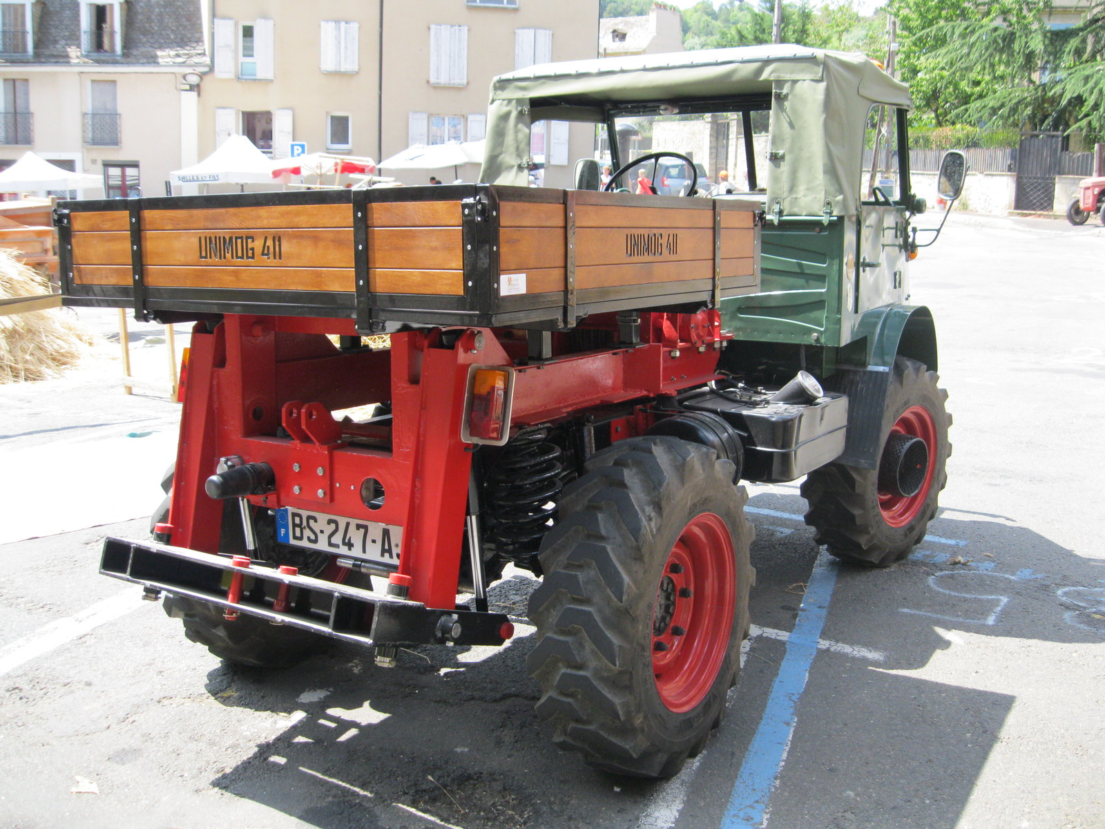 véhicules et matériel ancien  190818074532516712