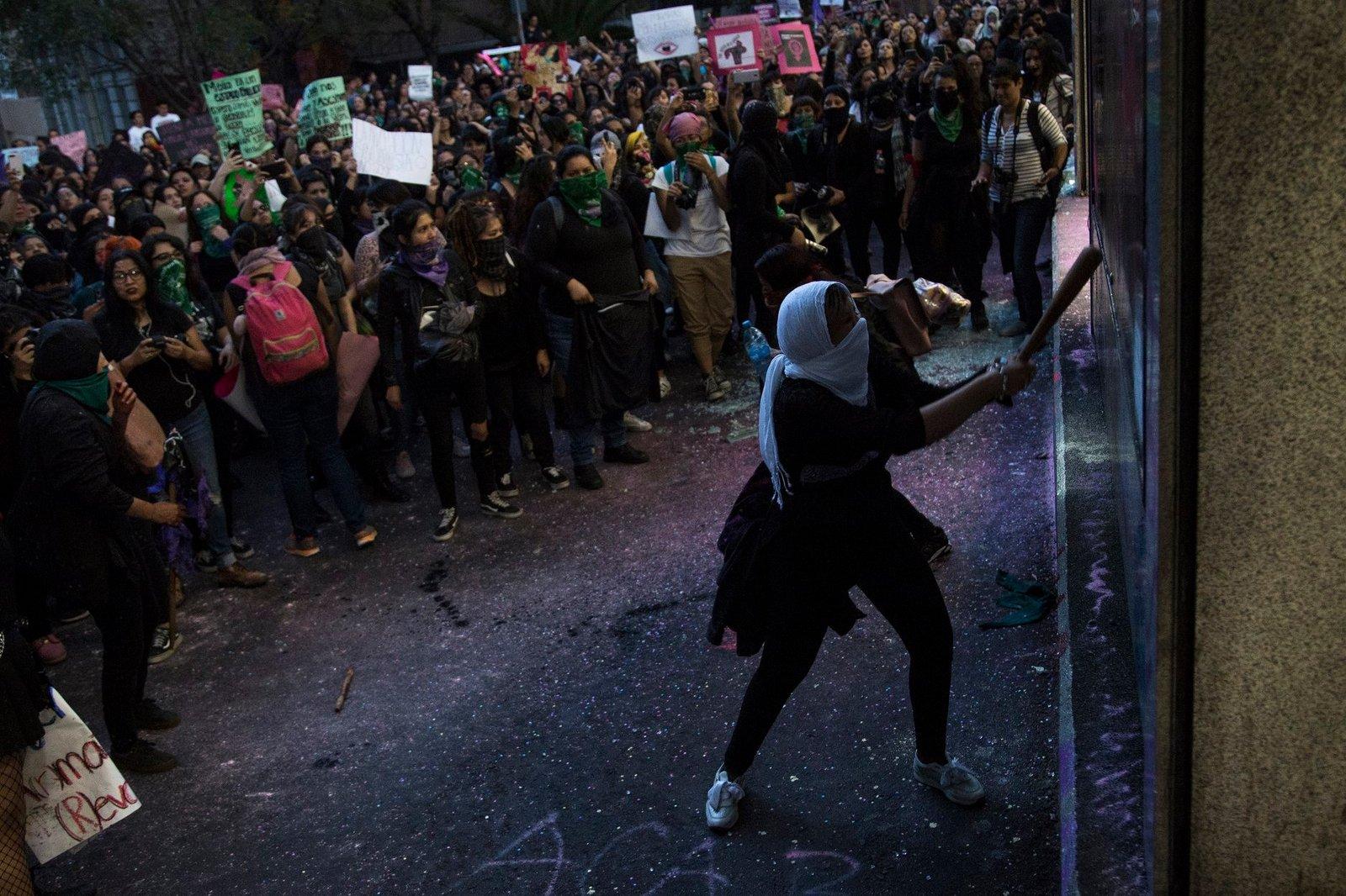 2019-08-16 Mexico Colère après viol par flics 09