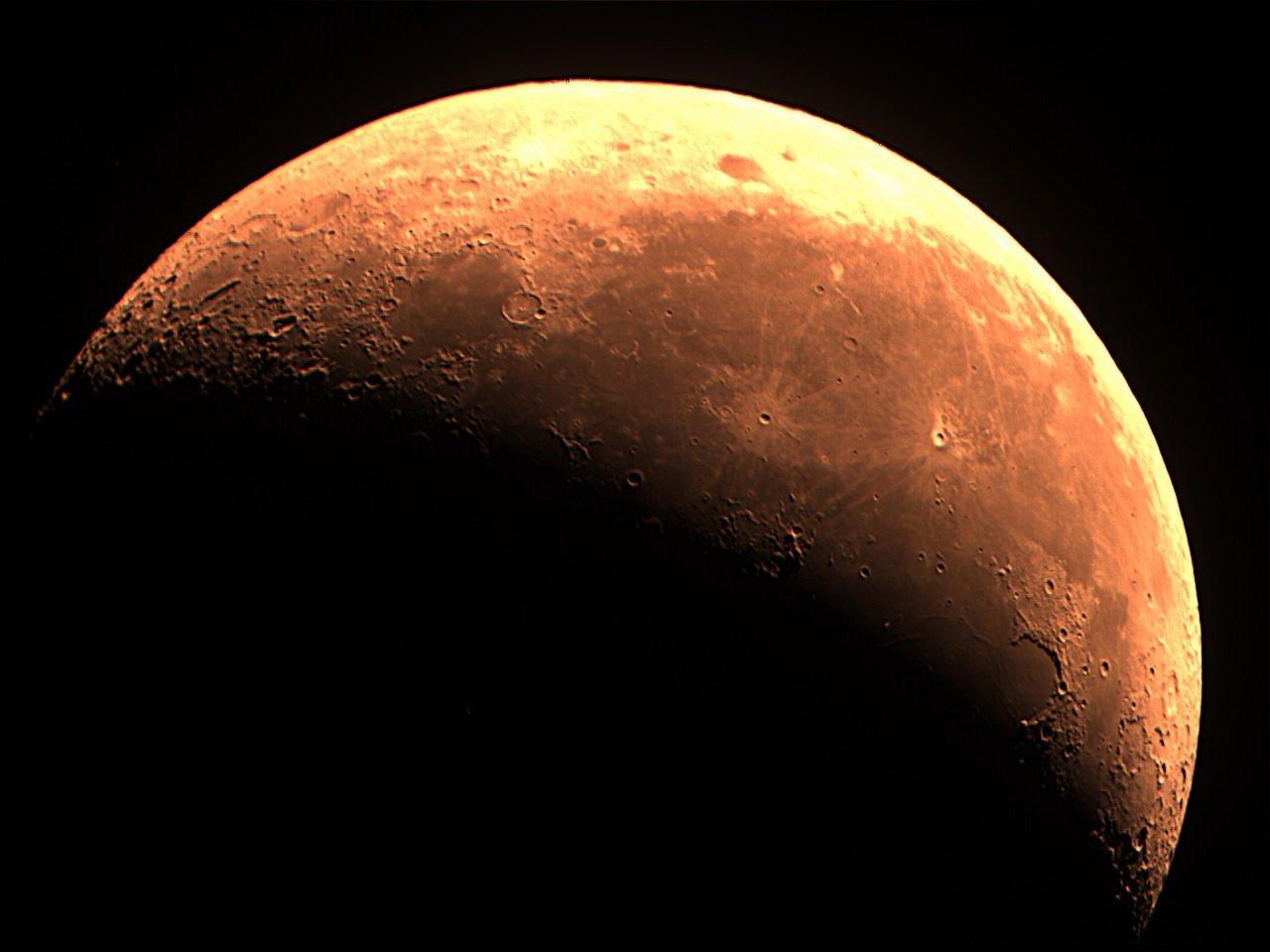 lune à 35% cendrée