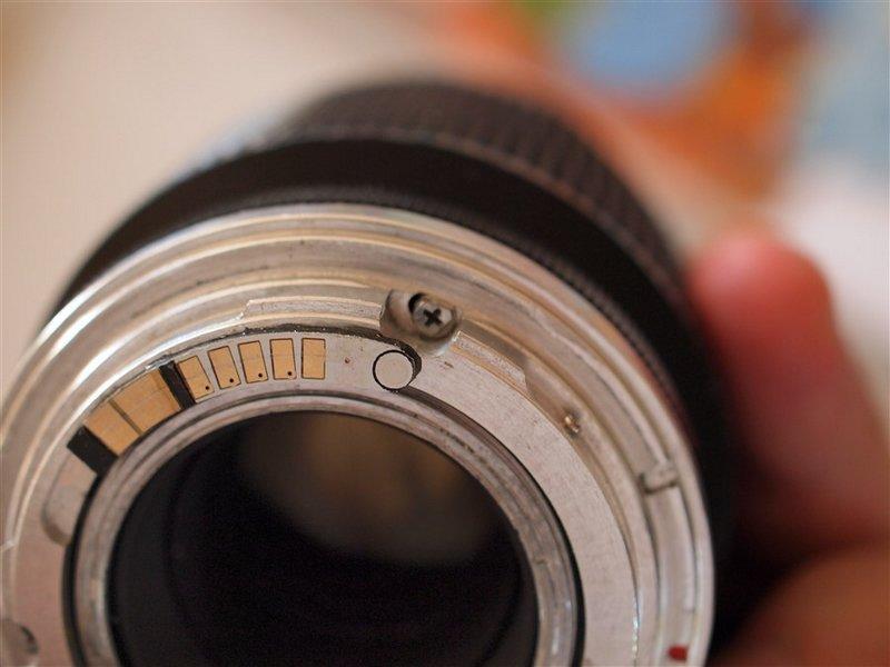 Aide pour identifier une monture Canon 19091505325380215