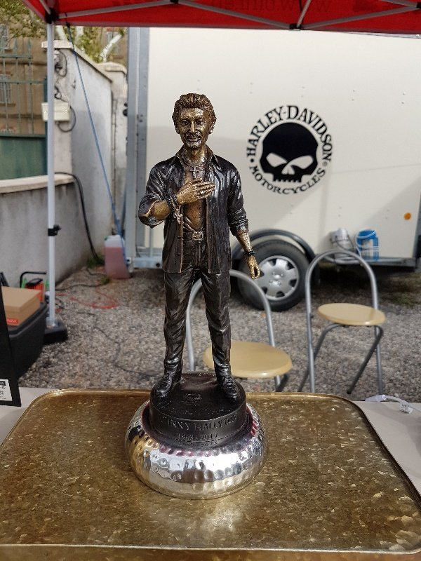 nouvelle statue 190915111013174418