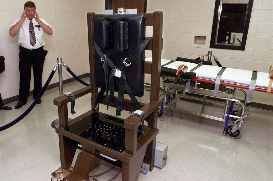 7795413652_une-chaise-electrique-au-penitencier-de-nashville-tennessee