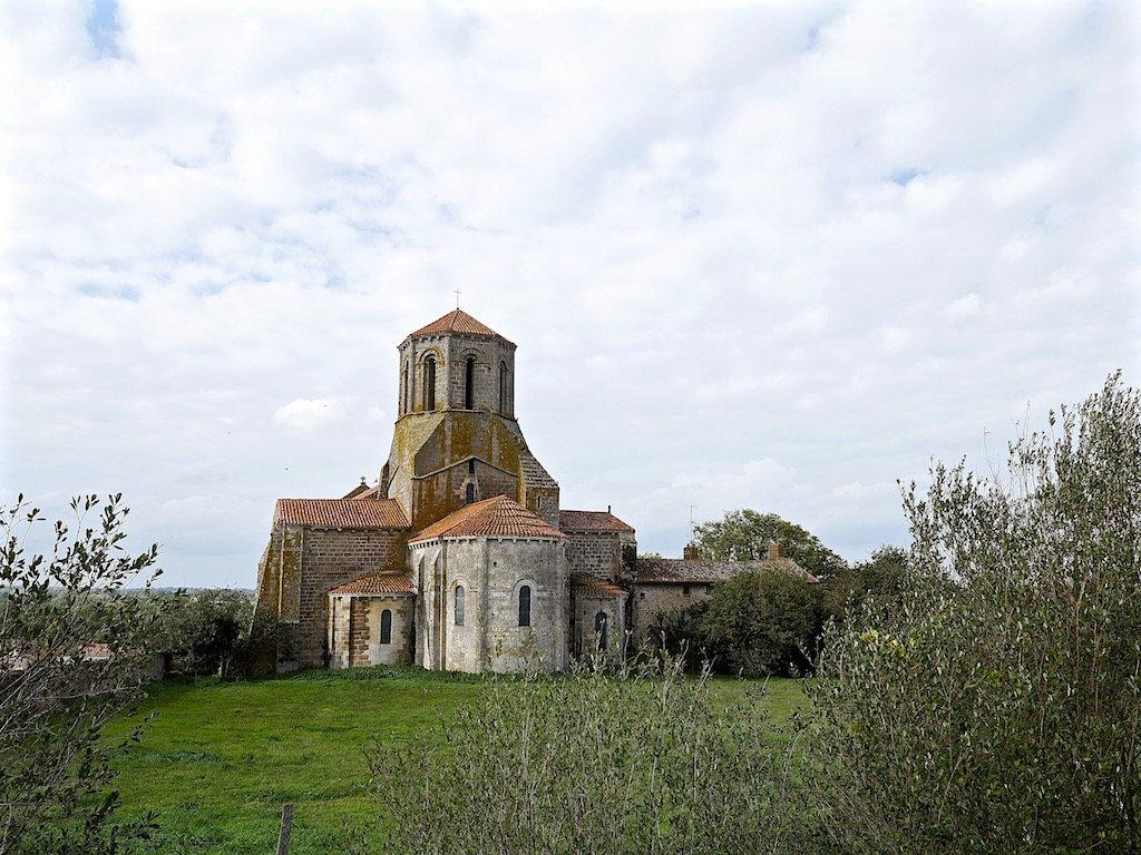 Eglise du Vieux  Parthenay 79 191016014356324204