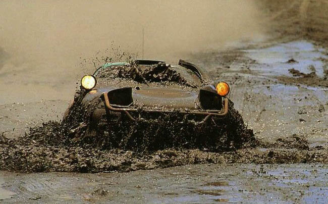Toyota celica st 185 dans la boue