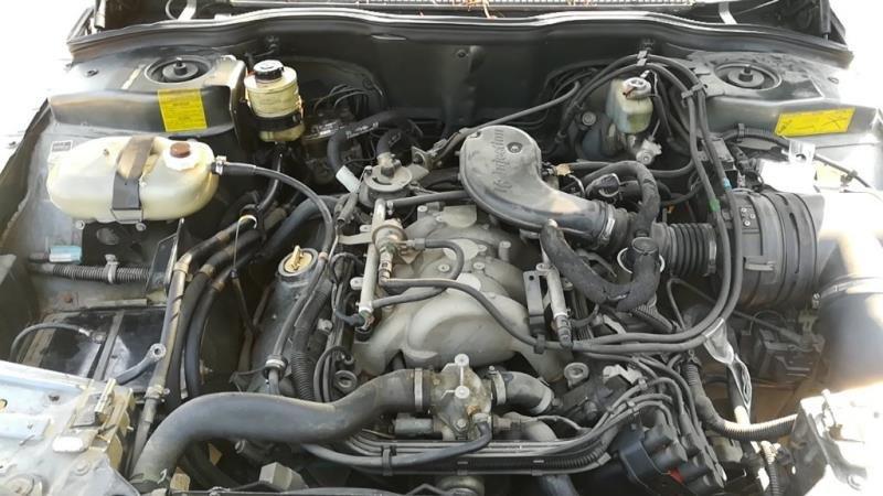 Moteur-V?hicule-RENAULT-R25-V6-2-8-1988-