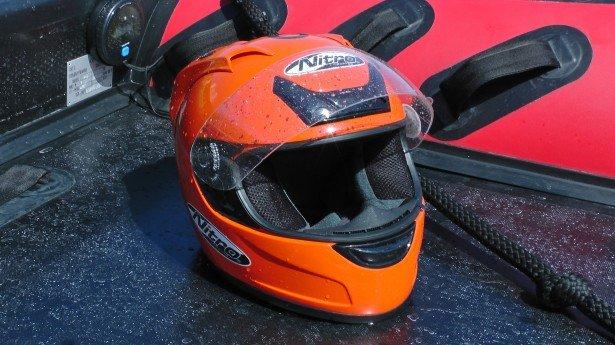 powerboat-racer-helmet