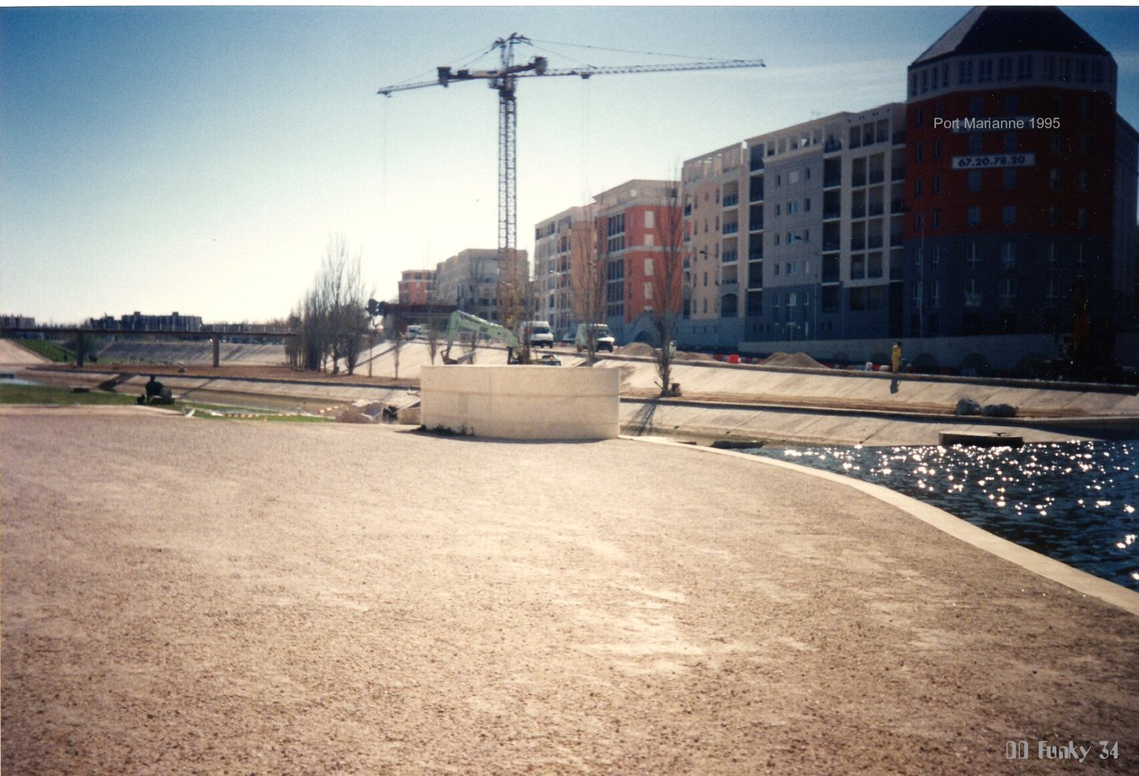 Potains chantier port Marianne Montpellier 04-1995