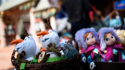 n021085_2022may28_world_frozen-sumer-fun-arendelle_1280x720-small